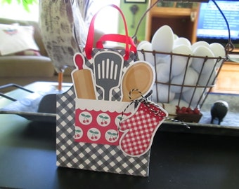 Apron Favor Box Set of 12 with Free Shipping