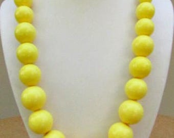 vintage 60s yellow chunky big bead necklace mod scooter girl