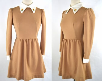 1970s Tan and White Mini/Babydoll Long Sleeve Fit and Flare Dress