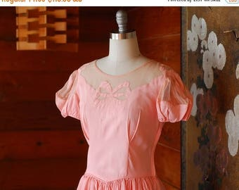 20% off weekend sale / vintage 1940s pink bow gown / 40s dress / size small