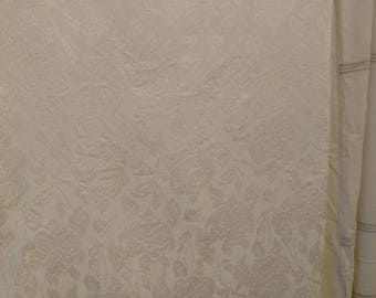 Pretty Vintage Ivory Damask Tablecloth   Antique Table Home Decor,  Christmas + Thanksgiving Dinner Table