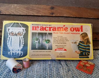 Vintage Macrame Hanger Kit By Skip Craft - Retro Macrame Plant Hangers, Beginners Macrame Sewing Set, Vintage Macrame Sale, Retro Sewing Kit