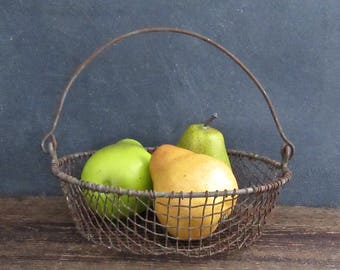 Antique Wire Basket, Small Farmhouse Egg Basket, Primitive Farmhouse Basket