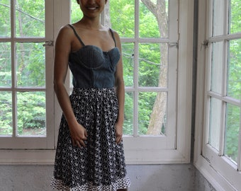 Vintage Foxy Hearts Print Wrap Skirt/Vintage 1960s/Black and White Novelty Print/Size Extra Small