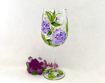 Free shipping Lavender Hydrangeas pair hand painted wine glass