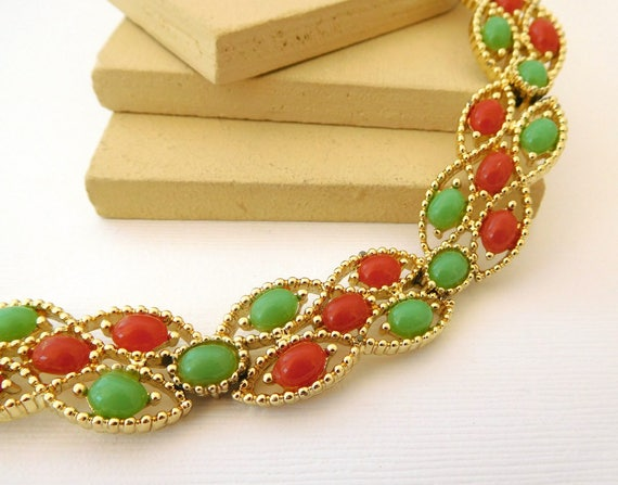 Vintage Sarah Coventry Acapulco Faux Red Carnelian Green Jade Gold Bracelet EE7