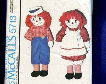15% OFF SALE Vintage 1977 McCalls 5713 Raggedy Ann and Raggedy Andy Dolls Sizes 10 to 25 inches
