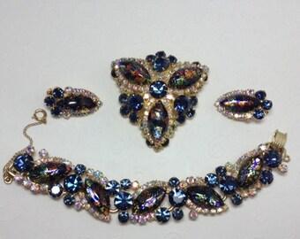 15% OFF SALE DeLizza and Elster aka Juliana RARE Multi Color Foil Art Glass Demi   Item:17123-24   Book Piece