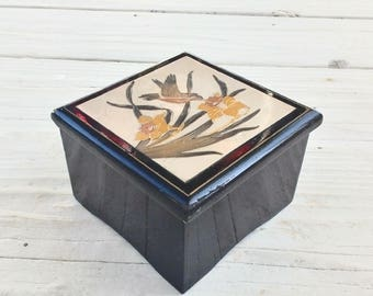 Music Box ~ Vintage Jewelry Box Wind up ~ Musical Chopin Nocturne ~ Westland Company ~  Flower & Hummingbird ~ Black Lacquered Wood ~