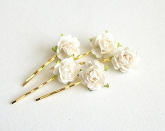 SUMMER SALE White Flower Hair Pins Set Of Five Gold Colored Bobby Pins Soft White Flower Bridal Hair Accessories For Wedding Vintage Style S