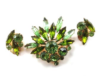 Green Rhinestone Brooch Earring Set Gloriously Colored Specialty Cut High End Vintage Jewelry Set Demi Parure