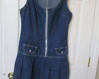 denim dress Women's 90's size 11 blue denim dress with pleated skirt  fits med/large