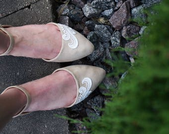 Tan Wedding Flats,Ballet Flats,Bridal Flats,Gift,Wedding Shoe,Bridesmaid,Bridal Shoes,Flat Wedding Shoe,Bridesmaid,Tan Flats with Ivory Lace