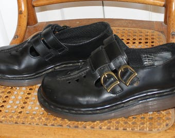 Vintage Mary Jane Dr. Martens . 90s Black Doc Martens . Double Strap Buckles Docs . Ever Popular DM's . Size 4 UK -- 6 USA
