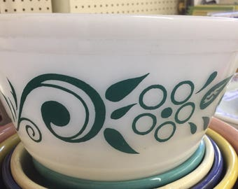 Federal Daisy Scroll Swirl Turquoise Bowl 9 inch