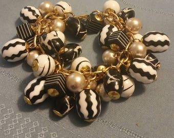 Black and White Dangle Bracelet
