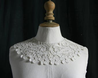 Antique embroidered linen collar