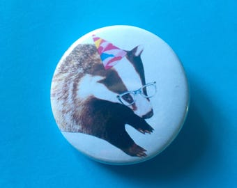 Button pin badge - Badger with party hat