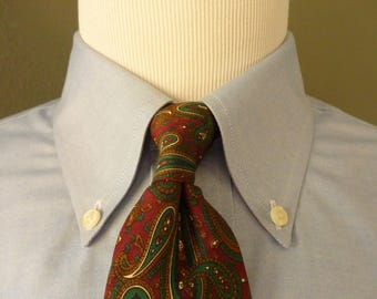 Vintage Brooks Brothers MAKERS All Silk Multicolored Dark Paisley Print Patterned Trad / Ivy League Neck Tie.  Made in USA.