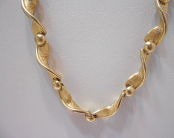 Gorgeous Gold Tone Choker Necklace (0164)