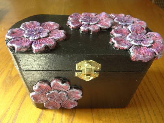 Decorative recipe box black with handmade purple red clay - Decoratie recup ...