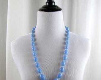 SALE Vintage Blue Graduated Beaded Necklace | 1960s