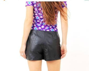 SALE Vintage Black Leather Shorts / High Waisted Shorts Size 38 / Medium Leather Shorts
