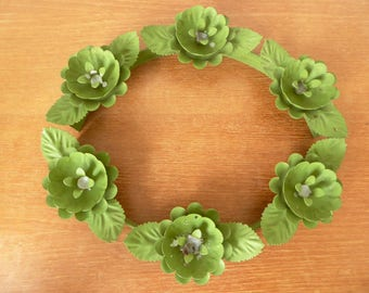 Victrylite Moss Rose green candle holder wreath, rare piece