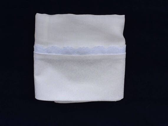 Linen pillowcase with lace trim (pair)