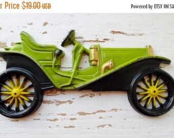ON SALE Car, Wall Plaque, Midwest Co, Cast Metal, Wall Hangings, Vintage, 1909 Hupmobile, Antique Looking Car, Wall Décor, Boy's Room, Avoca