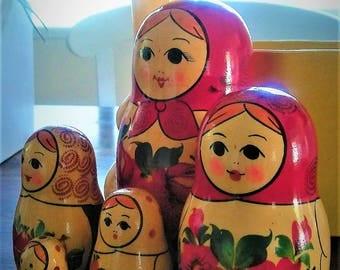 Five Wood Nesting/ Matruskya Dolls
