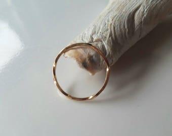 Dainty 14k gold infunite twist ring, size 7