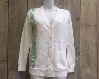 Vintage cardigan | Quantum Sportswear white cardigan sweater with tennis motif