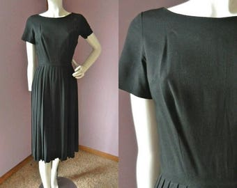50% Off Closing Shop Sale Vintage 1950's Black Party Dress // Fit and Flare // Short Sleeve Nipped Waist Pleated Skirt // Sz Sm