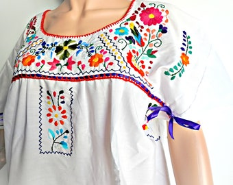 Mexico embroidered dress Xl and white