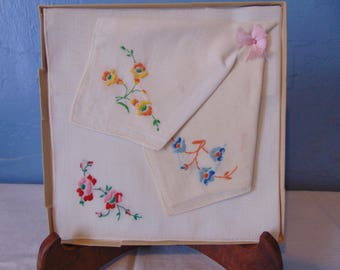 Vintage Boxed Set Of Three Embroided Hankies From Kresge Co.
