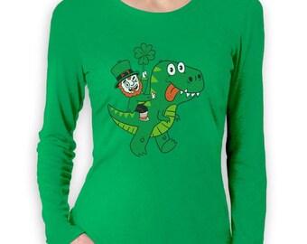 St Patricks Irish Leprechaun Riding T-Rex Women Long Sleeve T-Shirt