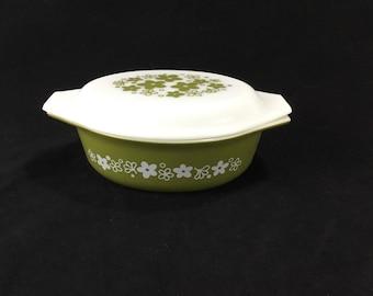 Vintage Pyrex Spring Blossom Green Crazy Daisy 1 1/2 quart Covered Casserole Dish