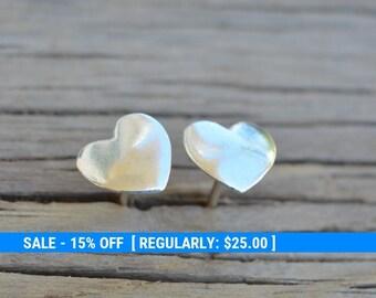 silver heart earrings, silver earrings,stud earrings,tiny heart stud earrings,small stud earrings,heart jewelry,valentines gift -30021
