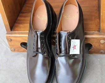 Sexy Summer Sale NOS Dark Brown Leather Lace up Loafer Men Shoe Union Made Mason Shoe size 11 by Velvet Eez