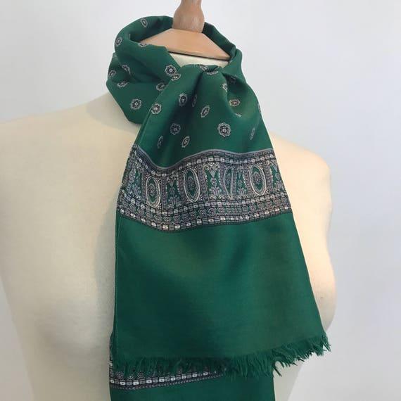 Vintage paisley print vintage silk scarf rectangular racing green classic design 1940s turban landgirl or cravat neckerchief