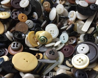 Large lot of Old Buttons, Sewing Projects, Pinterest Project, Craft Supplies, Antique Buttons, Button Collection, collectible Buttons