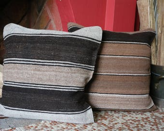 Set of 2 Decorative Cushions - Wool - Loom