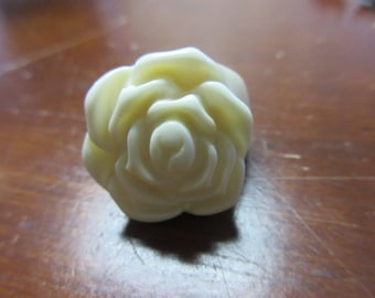 Lucite White Rose Ring Size 7 1/2