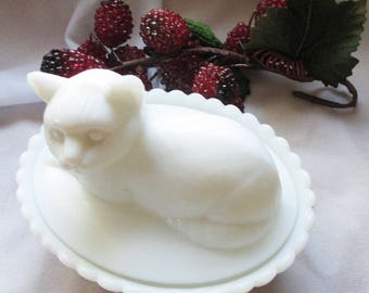 Vintage Westmoreland Milk Glass Covered dish - The Cat - One of 6 different covered animal dishes- Estate find!