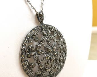 Vintage .925 Sterling Silver  Necklace With  Marcasite  Round  Flower Pendant!!!