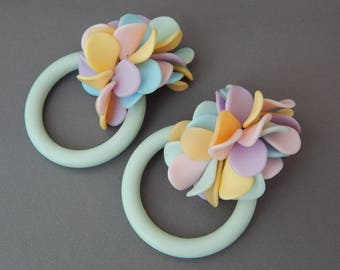 Vintage Big Hoop and Cluster Clip Earrings Convertible 1 Pair 2 Looks, Pastel Blue Pink Yellow Green Huge Clip-Ons Earrings Fun Kitschy