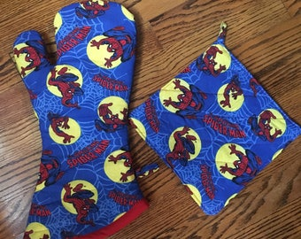 Spiderman Extra Long Oven Mitt and Pot Holder