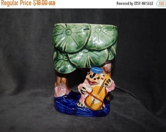 25% OFF Sale Vintage Hand Painted Toad Planter by Royal in Japan