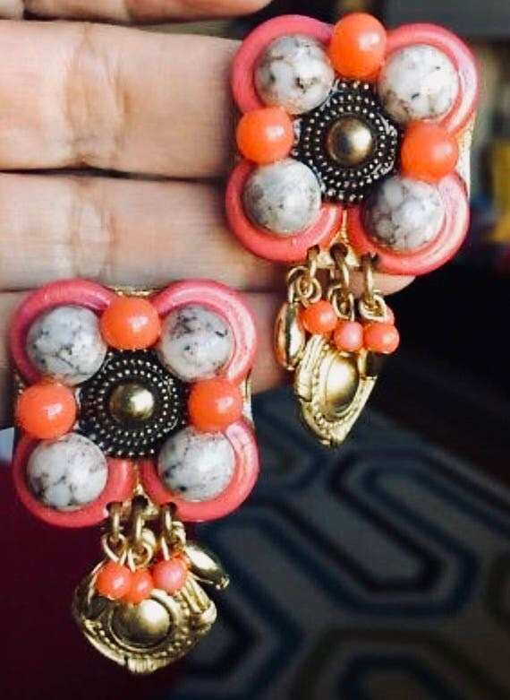 Stunning Gold Pink & Coral Stone Chunky 80's 90's Byzantine Etruscan / Deco  Earrings